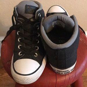 Converse men's size 6, ladies size 8